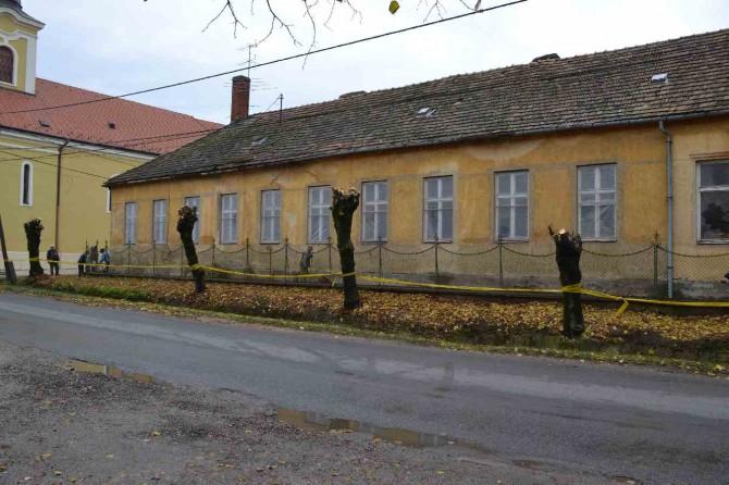 Nagybaráti Iskola állagmaóvás - Győrújbarát