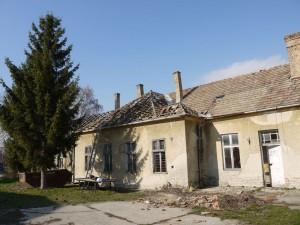 Régi Nagybaráti Iskola tetőszerkezet bontás